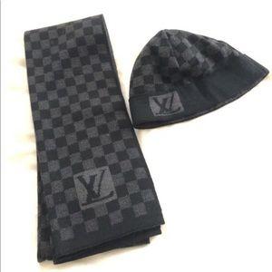 Louis Vuitton Damier Graphite Scarf and Beanie Set